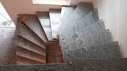 Treppe Naturstein Peter Gelber Alpenrod Westerwald
